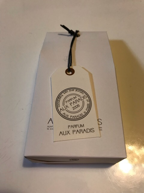 AUX PARADISのパッケージ