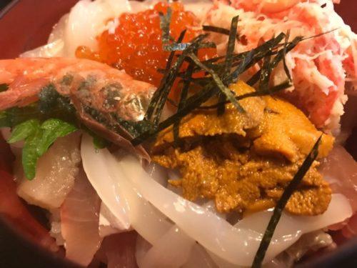 浜松市のかねまつの海鮮丼