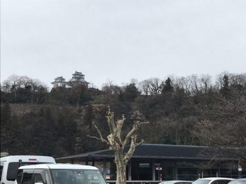 結楽座の駐車場から見える大野城